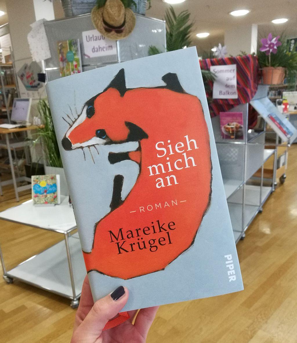 """Buchtipp: """"Sieh mich an"""" von Mareike Krügel"""