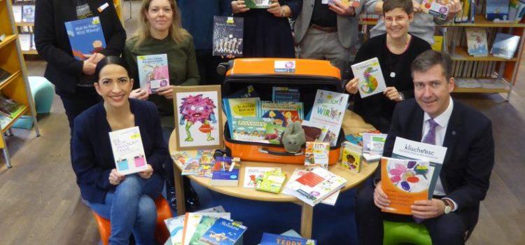 Vielfalt im Kindergartenalltag: neu in der Stadtbücherei, der Klischeefreie Medienkoffer